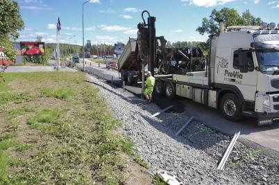 22 augusti 2017 - Och på E18 satte man upp nya vägräcken.