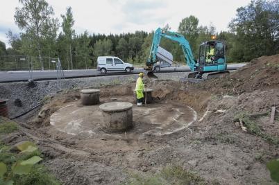 28 augusti 2017 - Kommunen frilade gamla avloppskammaren vid Älverud, där nya pumpstationen ska placeras.