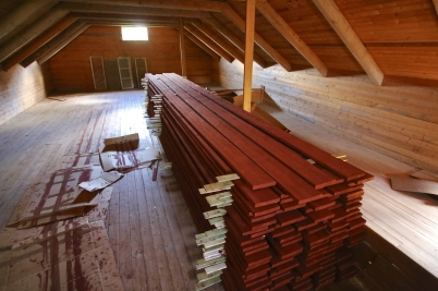 1 september 2017 - Vid Verket låg målade brädor klara för kommande renovering av Kulturladan.