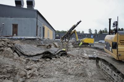 6 september 2017 - Vid vägbygget på Älverudsområdet sprängde man berg.