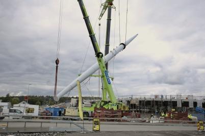 7 september 2017 - I örje var det dags för det stora lyftet av Norgesportens torn.