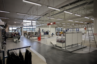 8 september 2017 - Och i Handelsparken inreddes Sportringens nya butik.