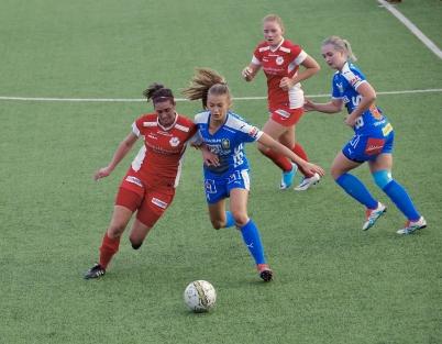 16 september 2017 - Och TIF seniorlag damer kämpade på i div 1, den här matchen spelades på konstgräset i Örje.