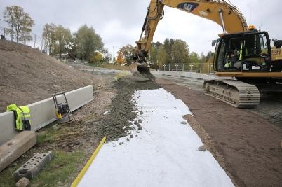 28 september 2017 - Vid Älverud byggde man gång- och cykelväg.