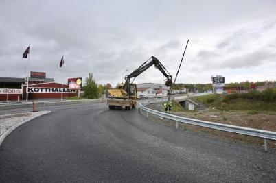 3 oktober 2017 - I Töcksfors färdig-ställde man nya utfarten på E18.