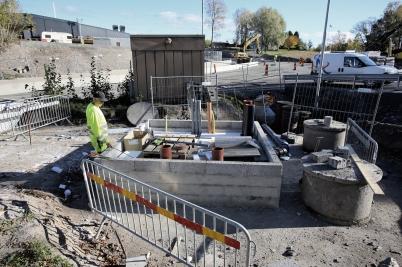 9 oktober 2017 - Kommunen färdigställde grunden till nya avlopps-pumpstationen vid Älverud.