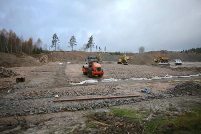17 oktober 2017 - Vid Hagavallen fortsatte markarbetet för nya konstgräs-planen.