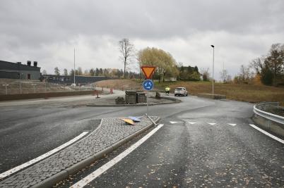 17 oktober 2017 - Vid Älverud färdig-ställdes nya rondellen.
