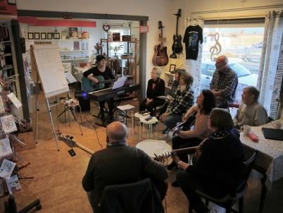 26 oktober 2017  - Mathilda Röjdemo höll kurs i sång och gittarrspel.