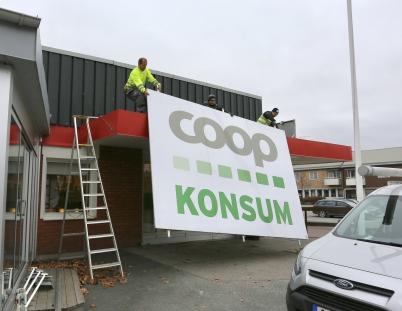 3 november 2017 - Konsum vid torget hade stängt och skyltarna togs ner.