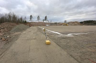 3 november 2017 - Vid Hagavallen finjusterades markytan där konstgräs-planen skall ligga.