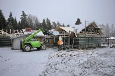 14 november 2017 - Utbyggnaden av Junibacken började komma under tak.