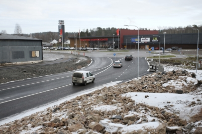 16 november 2017 - Nya vägen vid Älverud var klar fram till shopping-centret.