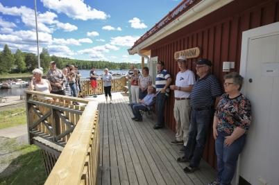 Göran Nilsson hälsade alla välkomna till Båtklubben Rävarnas nya klubbstuga och berättade om byggprocessen.