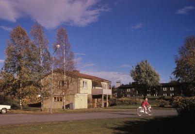"""1991 - Ringsbys fastighet som revs när """"höghuset"""" skulle byggas."""