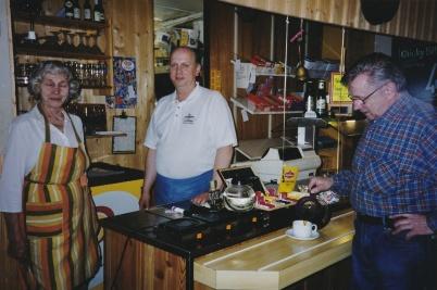 Juni 2001 - Aagot Hedelund, Inge Hedelund och Kurt Andersson