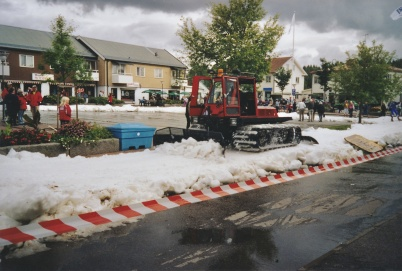 2004 - Skidtävling på torget i samband med Töcksmarksveckan.