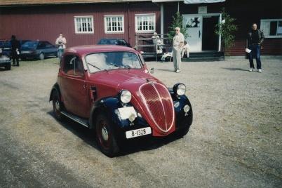 Veteranbilsfestival i Karlanda 16 juni 2002, Fiat 500 1937.
