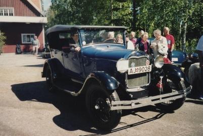 Veteranbilsfestival i Karlanda 16 juni 2002.