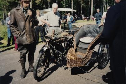 Veteranbilsfestival i Karlanda 16 juni 2002. New Crescent 750 cc 1912.