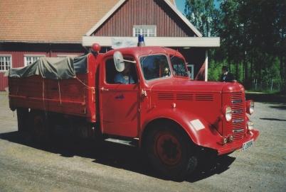 Veteranbilsfestival i Karlanda 16 juni 2002. Brandbil Bedford 1951.