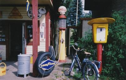 2002 - Shell i Sollebrunn, bevarad från 1950-talet.