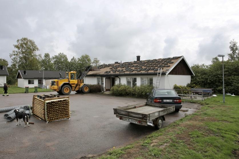 30 augusti 2018 - PRO-Gården vid Solängsvägen i Töcksfors revs 2018. Sammanlagt 6 parhus revs för att ge plats för 3 nya hyreshus.