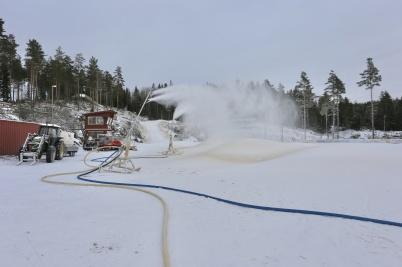 7 januari 2018 - På Kölen sportcenter var snötillverkningen igång.
