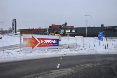 19 januari 2018 - Området vid shopping-centret blev byggarbetsplats, och bilarna styrdes in på en ny väg till P-Huset.