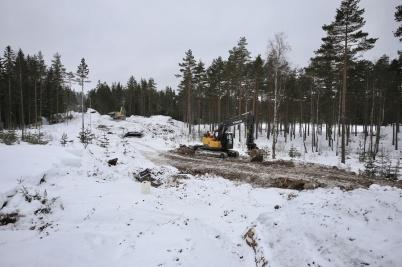 6 mars 2018 - Vid Kölen sportcenter byggde man ny anläggningsväg till Högås vindkraftspark.