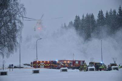 11 mars 2018 - En räddningshelikopter från Norge kallades till olycksplatsen vid kyrkan.