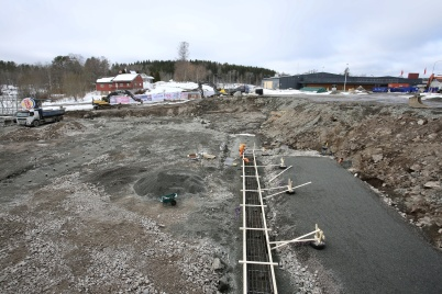 22 mars 2018 - Bygget av nya infarten till shoppingcentrets P-Hus gick framåt.