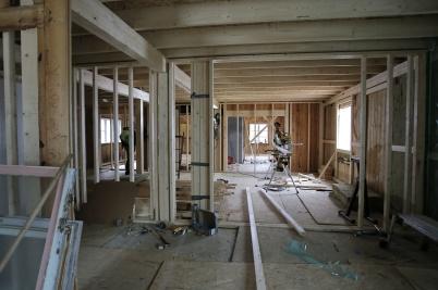 5 april 2018 - Man kunde se hur de nya lägenheterna växte fram i gamla Second hand huset.