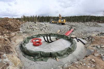 27 april 2018 - Och i Joarknattens vindkraftspark byggde man fundament till vindkraftverken.