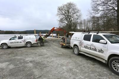 3 maj 2018 - I Östervallskog fortsatte arbetet med utveckling av båthamnen.