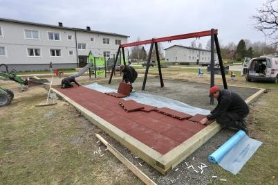 3 maj 2018 - Nya lek- och mötesplatsen vid Västra Torggatan färdigställdes.