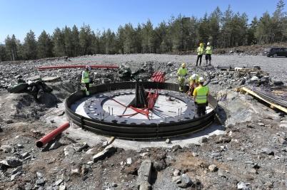 15 maj 2018 - Och på Joarknatten byggde man fundament för vindkraft-verken.