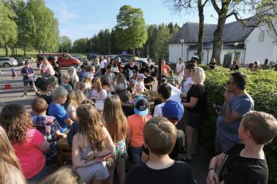 16 maj 2018 - Och så var det fartfylld kväll på parkeringen vid Töcksmarks kyrka.