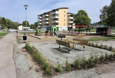 17 maj 2018 - Årjängs Bostads AB:s nya lek- och mötesplats vid Västra Torggatan var klar för invigning.