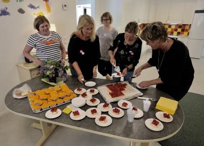 17 maj 2018 - Och så blev det tårtkalas i nya avdelningen vid förskolan Junibacken.