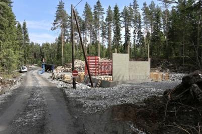 29 maj 2018 - Och vid vägen mot Joarknatten byggdes ny transformator för vindkraftsverken.