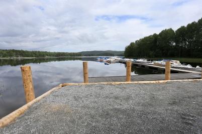 11 juni 2018 - I Östervallskog stannade arbetet med båthamnen upp på grund av ett överklagande.