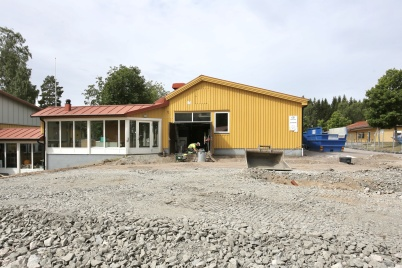 20 juni 2018 - Och vid Töcksfors skola hade arbetet med om- och tillbyggnad tagit fart.