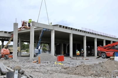 20 juni 2018 - Vid shoppingcentret kunde man se dag för dag hur utbyggnaden växte fram.