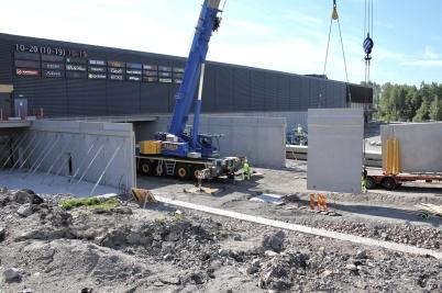 27 juni 2018 - Och vid shoppingcentret byggde man nya infarten till P-Huset.