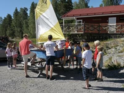 2 juli 2018 - Båtklubben Rävarna arrangerade seglarskola i Sandviken.
