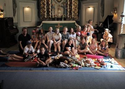 4 juli 2018 - Och så var det ungdoms-aktivitet i Töcksmarks kyrka.