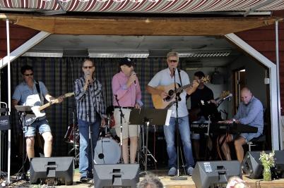 8 juli 2018 - Töcksmarksveckan 40-år - under dagen på söndag hölls gudstjänst med mycket musik.