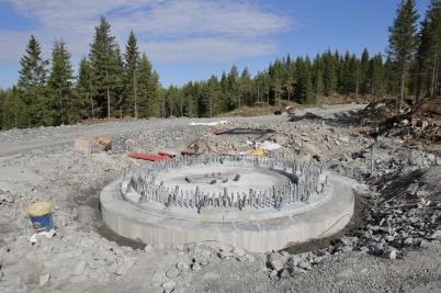 10 juli 2018 - Det återstod en del arbete med fundamenten på Joarknatten.