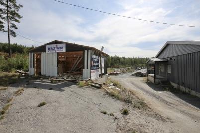 2 augusti 2018 - Vid Kölen sportcenter var man tvungen att ta bort garaget för att ge plats för anläggningsvägen mot Högås.